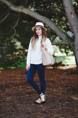 vickys style blogger hat skinny jeans white sweater handbag