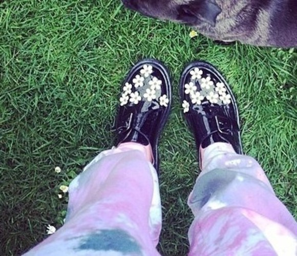 shoes black black shoes cutiepiemarzia ties flowers white flowers black flower shoes