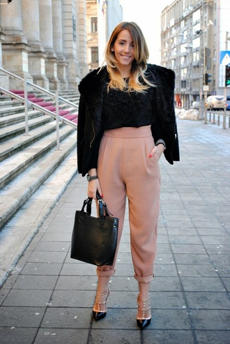 let's talk about fashion ! blogger cropped pants black jacket black bag leather bag