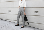 modern legacy,blogger,t-shirt,pants,bag,jewels,white t-shirt,grey pants,flats