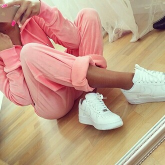 jacket pink nike white track trackies tracksuit nails acrylic pink nails pink acyrlic nails pink acrlic air max hoodie pants loose classy glam glamorous shoes sit sitting cross girl pretty red lime sunday