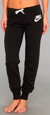 pants,black sweatpants,nike,jeans,nike sweatpants,sweatpants,nike pants,black,white,black pants,joggers,black and white