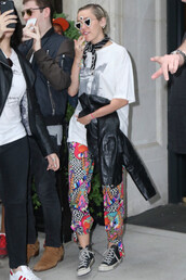 pants,miley cyrus,sneakers,shoes