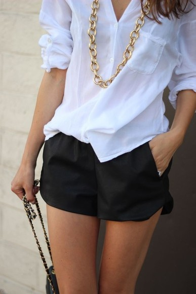 white black shorts blouse gold chain fresh