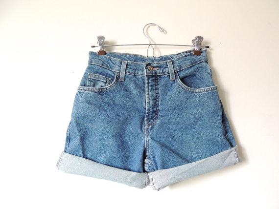Highwaisted shorts / size 3 by urbncatfitters on etsy