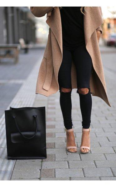 Knee ripped skinny black jeans