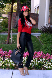 pants,jeans,black,red,shirt,sf,hat,bag,studded,heels,game day,faux leather,skinny pants,high waisted jeans,jewels,long sleeves,studs,nude high heels,nude,outside,swag,cute,shoes