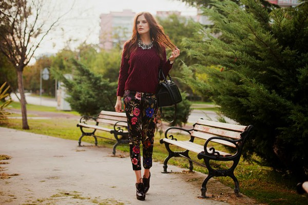 the bow-tie blogger bag jewels floral necklace floral pants