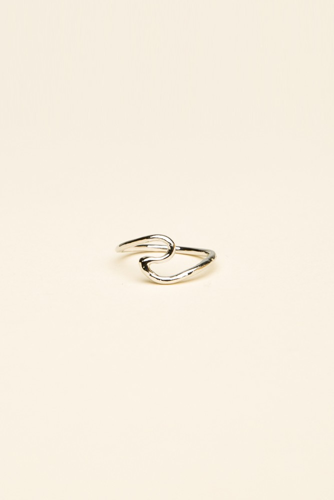 Silver swirly wave ring