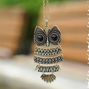 Hooting Owl necklace in Bronze Gold