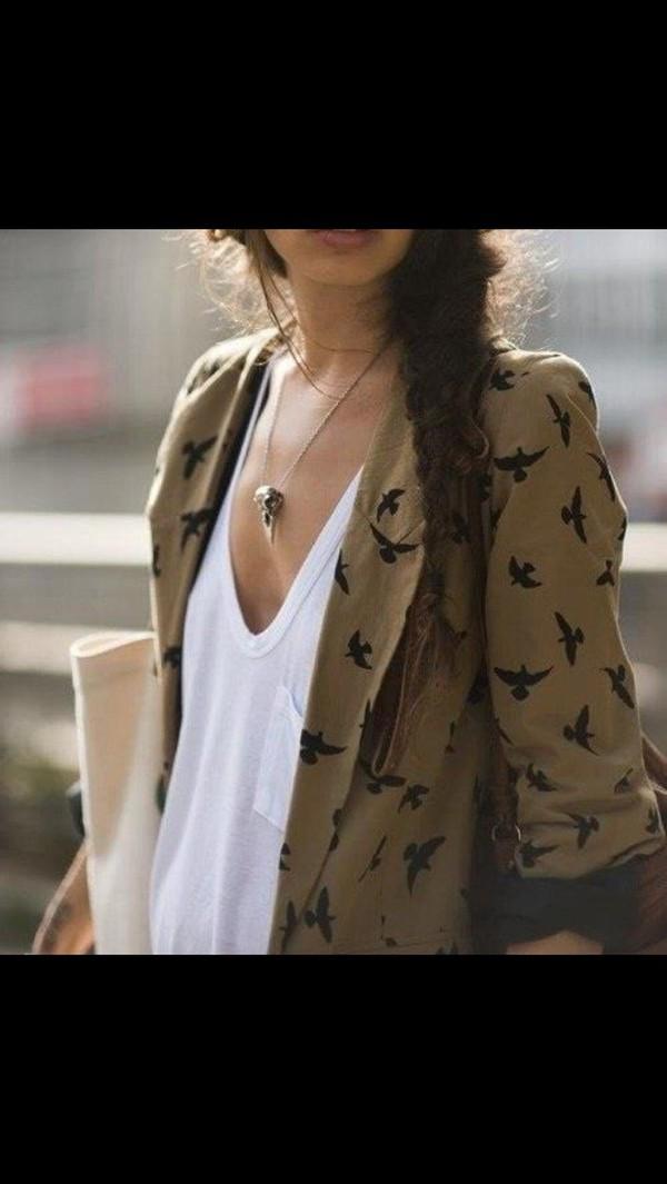 jacket jewels necklace