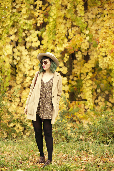 keiko lynn sunglasses bag jewels blogger print