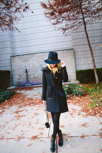 krystal schlegel blogger bag charcoal winter coat fedora
