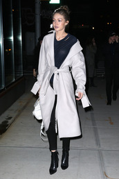 top,coat,nyfw 2017,streetstyle,gigi hadid,model off-duty