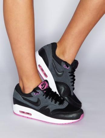 Nike Air Trainers  - Lipsy