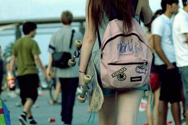 bag girl skater skateboard backpack rucksack eastpak skateboard love hipster nice beautiful pink pink smile light pink bookbag band patch rock