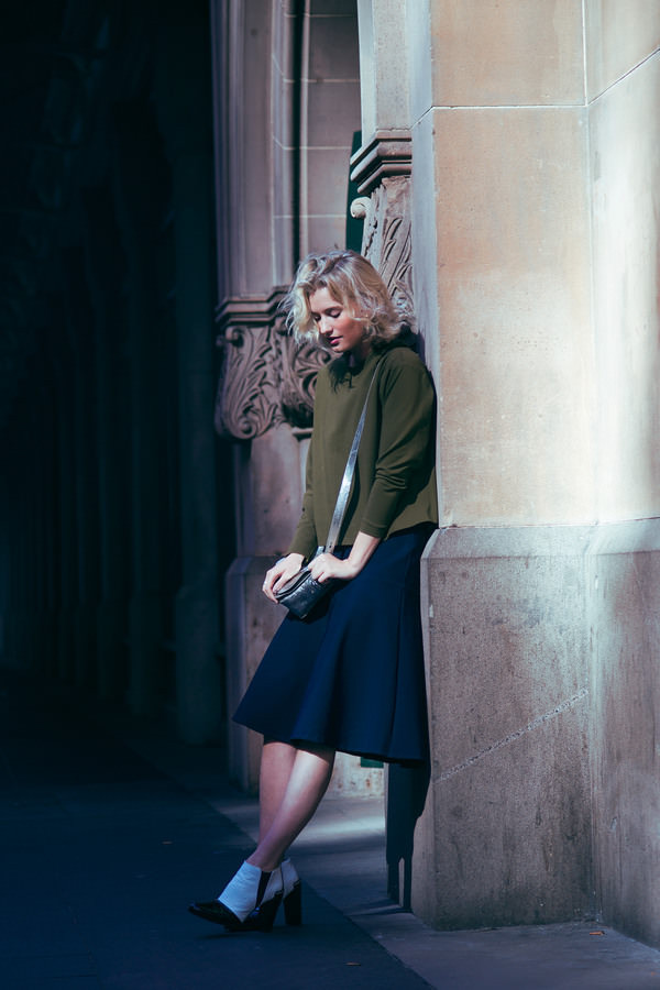 zanita blogger skirt shoes jewels bag forest green preppy fall outfits