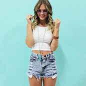 tank top,top,crop tops,white top,shorts,sleeveless top,High waisted shorts,denim shorts,jewels,sunglasses