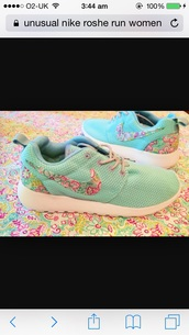 shoes,floral mint green shoes,nike roshe run floral,nike running shoes,mint green shoes