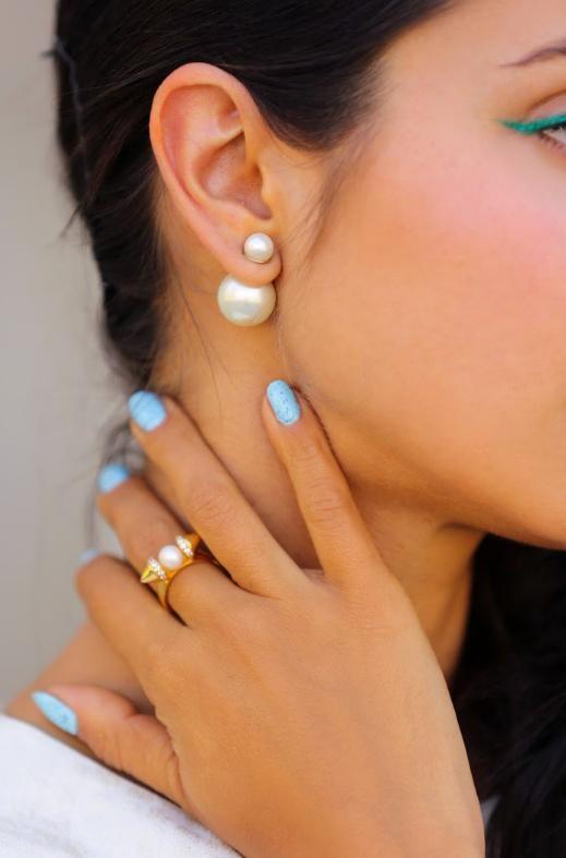 White double pearl earrings by mir
