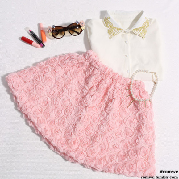 button up blouse peach skirt jewels make-up sunglasses