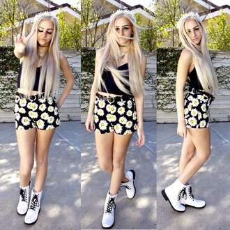 shorts grunge cute summer soft grunge girly combat boots tumblr tumblr girl daisy floral crop tops top shoes hair accessory flowers flower crown