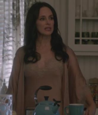 pajamas madeleine stowe victoria grayson negligee revenge
