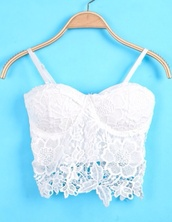 top,tank top,cropped bustier,crochet bustier,white lace,bellyshirt,crop,crop tops,blouse,bustier,white,lace top,summer top,cute,lace,shirt,white crop tops