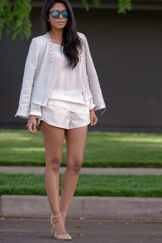 walk in wonderland jacket t-shirt shorts sunglasses shoes