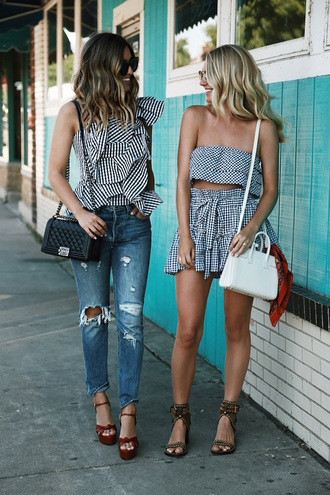 somewherelately blogger top jeans sunglasses jewels shoes shorts bag scarf