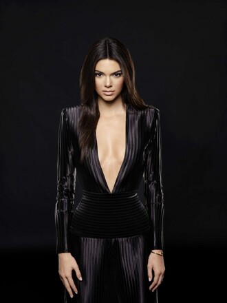 jumpsuit plunge v neck kendall jenner stripes all black everything straight hair natural makeup look black jumpsuit