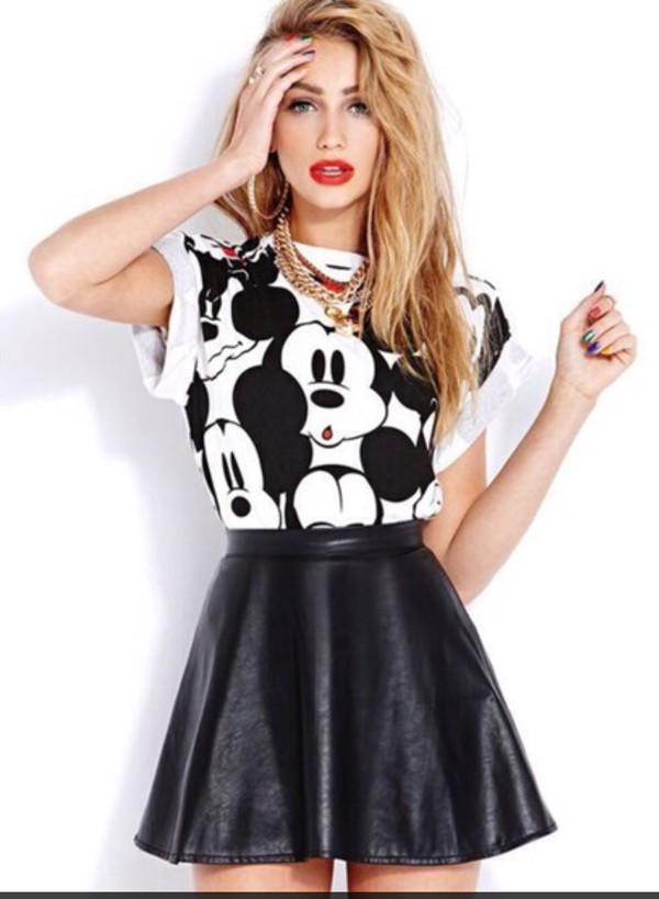 22.50 Hot Topic Women's Disney Nine Princesses T-Shirt #Clothes