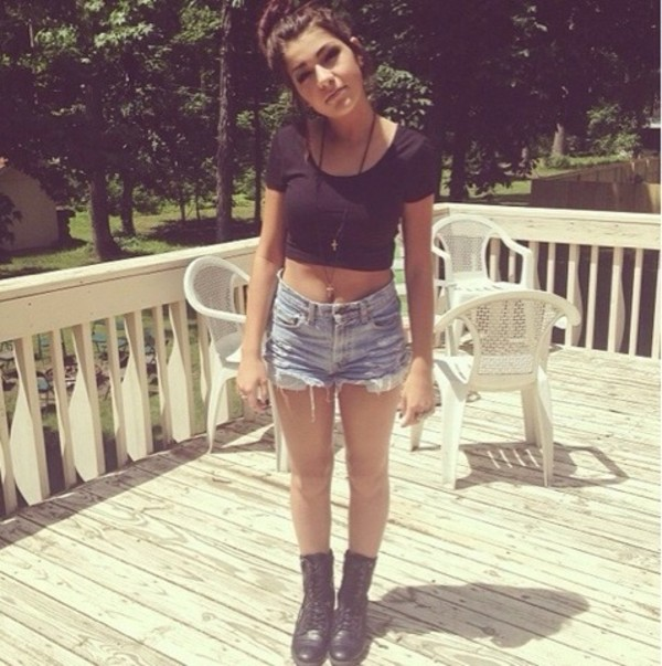 shorts shirt black short sleeve  shirt andrea russett