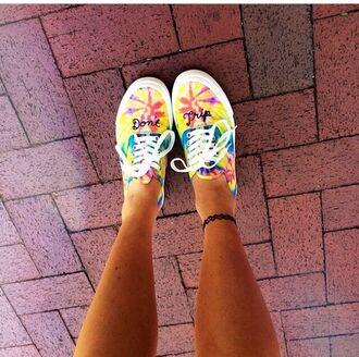 shoes tie dye shoes don't trip