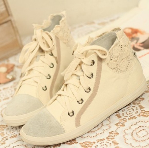 shoes sneakers sneakers high canvas shoes canvas women shoes online women shoes shoes white beautiful gorgeous girl flawless clean perfect white shoes