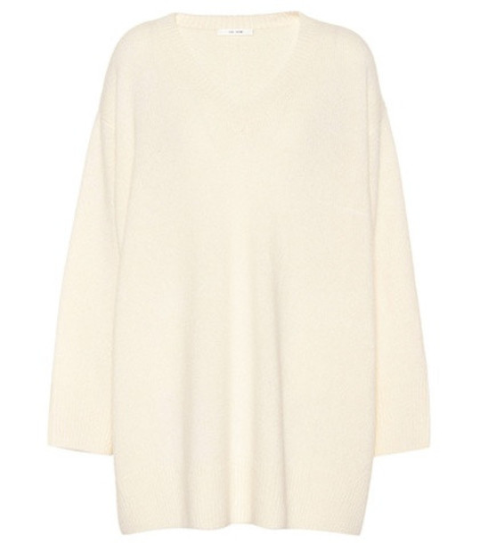 The Row Cashmere and silk sweater in white
