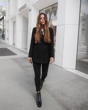shoes,boots,black boots,skinny jeans,black jeans,blazer,white t-shirt,sunglasses