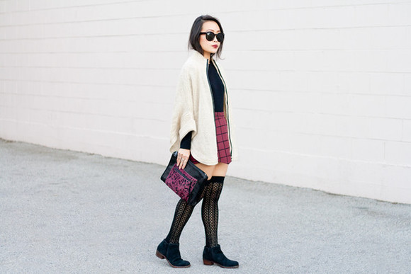 socks stockings it's not her it's me blogger jewels sunglasses pouch checkered