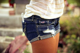 shorts summer girl shirt t-shirt beautiful perfect gsm phone jeans shoes blue jeans creamy shirt short dark blue hollister ripped shorts spring break coat denim blue jean shorts