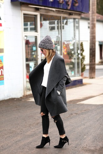 brooklyn blonde blogger grey coat charcoal winter outfits