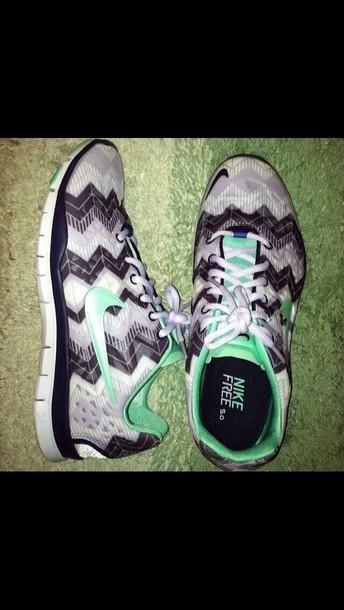 shoes mint green chevron nike free 5.0