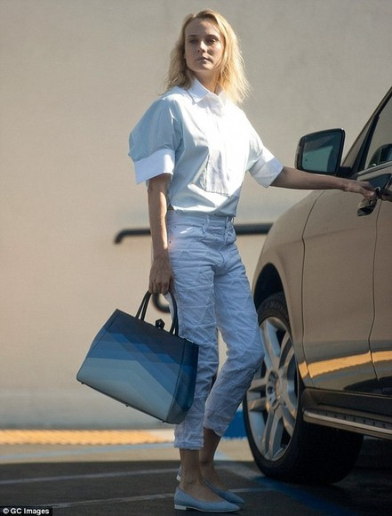 diane kruger pants triangle white summer outfits cropped pants geometric sewn cropped cute
