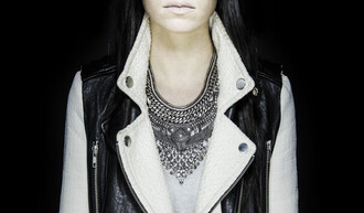 jewels grey bold silver statement necklace necklace jacket jewelry silver necklace