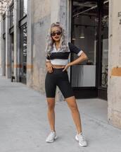 shoes,sneakers,grey sneakers,leggings,crop tops,sportswear,sunglasses
