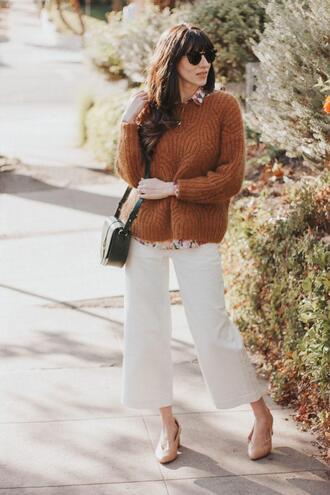 blogger jeans and a teacup dress sweater shirt pants bag shoes sunglasses jewels shoulder bag white pants brown sweater pumps