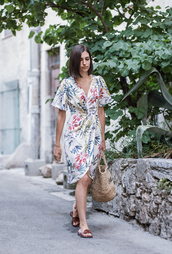 dress,tumblr,floral,floral dress,wrap dress,bag,woven bag,shoes,slide shoes