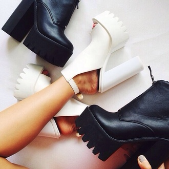 shoes grunge shoes grunge white fashion black boots platform shoes chunky heels girly boots booties black booties shoes platform boots urban pumps cut-out