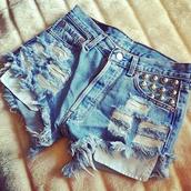 shorts,fashion,style,summer,denim,studs,hot pants,jeans,studded,frayed shorts