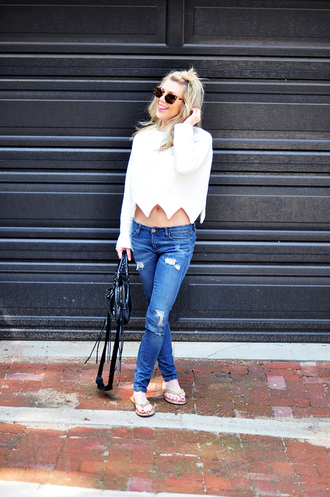 love maegan blogger sunglasses bag white sweater skinny jeans black bag mini bag