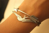 bracelets,silver,bird bracelet,arrow,cuff,jewels,bird charm